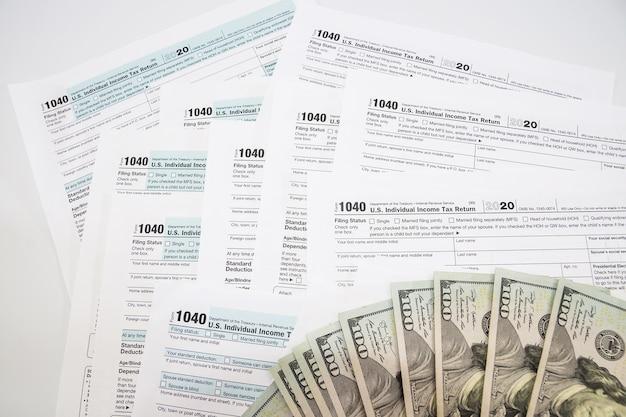 Belastingformulieren 1040. financieel concept.