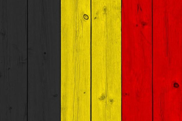 België vlag geschilderd op oude houten plank