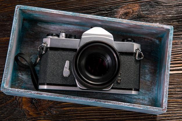 Belichtingsmeter en retro camera