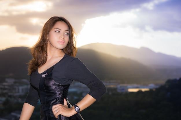 Bell portret schieten in rang hill, phuket, thailand
