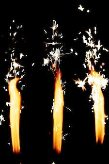Bengaalse vuren branden helder