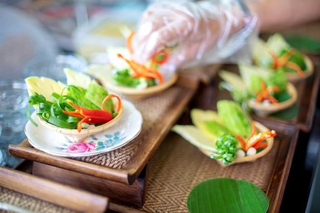 Bereid je voor op tafelset, groenteschepen