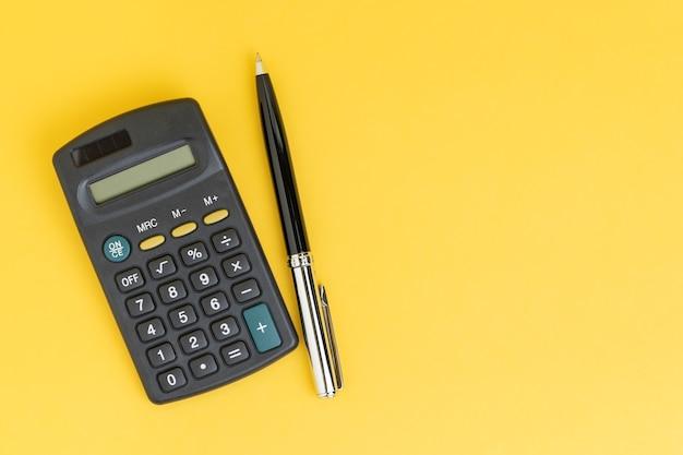 Berekening van wiskunde, kosten, belastingen of investeringen