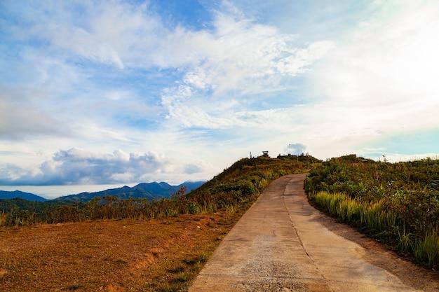 Berg heuvel gezichtspunt schilderachtige bezienswaardigheid