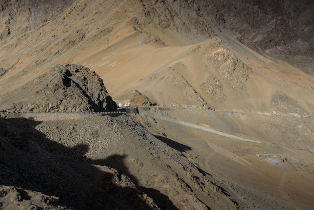 Berg in leh ladakh in de avond