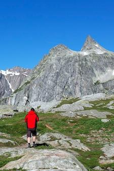 Berg wandelaar landschap