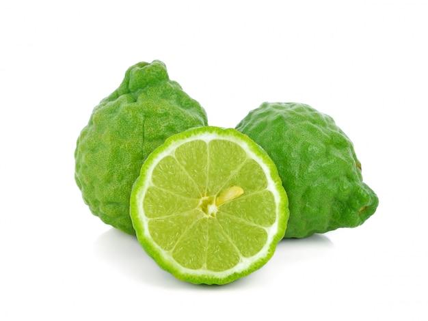 Bergamotfruit op wit wordt geïsoleerd dat