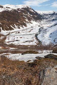 Bergen, besneeuwde fjord