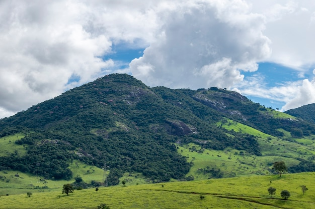 Berglandschap in de serra da mantiqueira