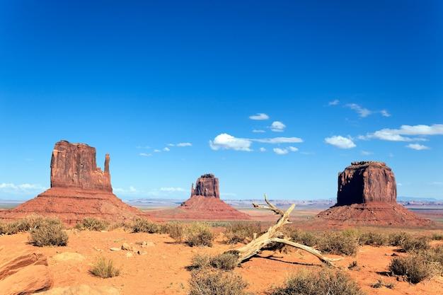 Beroemd landschap van monument valley, utah, verenigde staten.