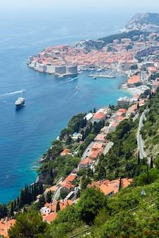 Beroemde dubrovnik old town zomer uitzicht van boven (kroatië)