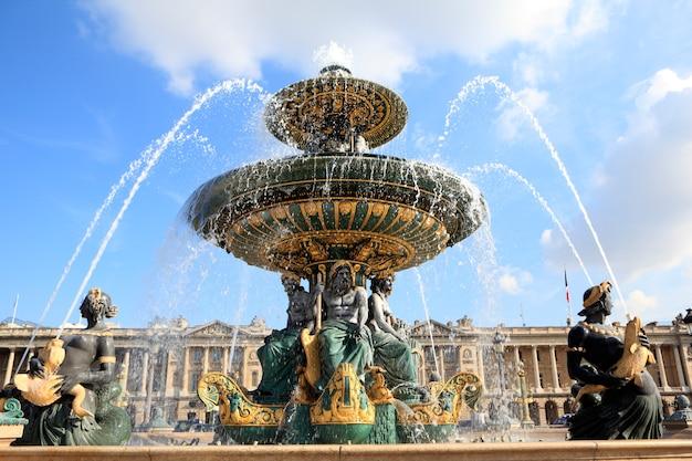 Beroemde fontein in parijs