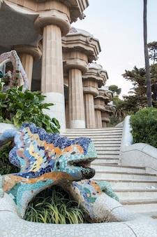 Beroemde park guell gelegen in barcelona, spanje.