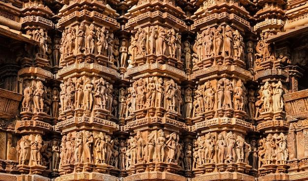 Beroemde sculpturen van khajuraho tempels, india