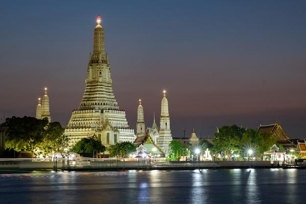 Beroemde tempel in thailand (wat arun)