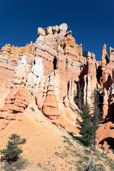 Beroemde weergave van navajo trail in bryce canyon, utah