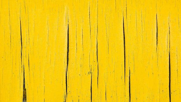 Beschadigd van oud geel karton