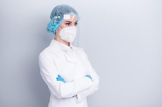Beschermde viroloog arts arts draag medisch masker