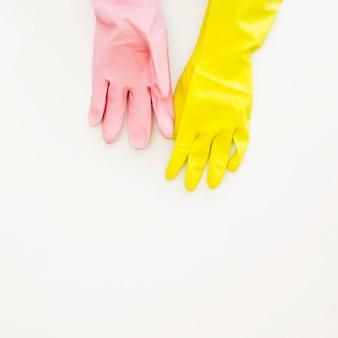 Beschermende kleurrijke handschoenen