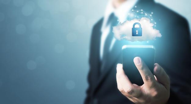 Bescherming netwerkbeveiliging mobiele smartphone en veilig uw gegevensconcept