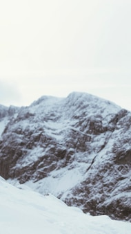 Besneeuwde ben nevis berg mobiel behang