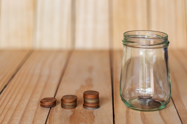 Bespaar geld en account banking voor het financiele bedrijfsconcept