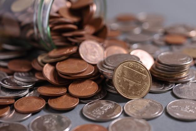 Bespaar geld en bankieren concept