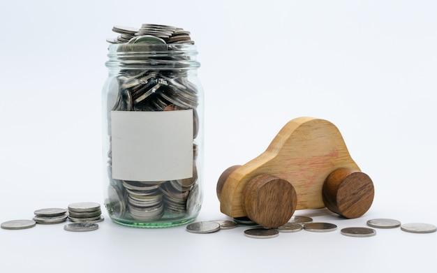 Besparingenplannen voor auto, financieel concept