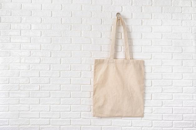 Bespotten van witte eco cottone tas