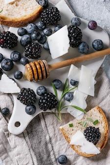 Bessen, honing en rozemarijn
