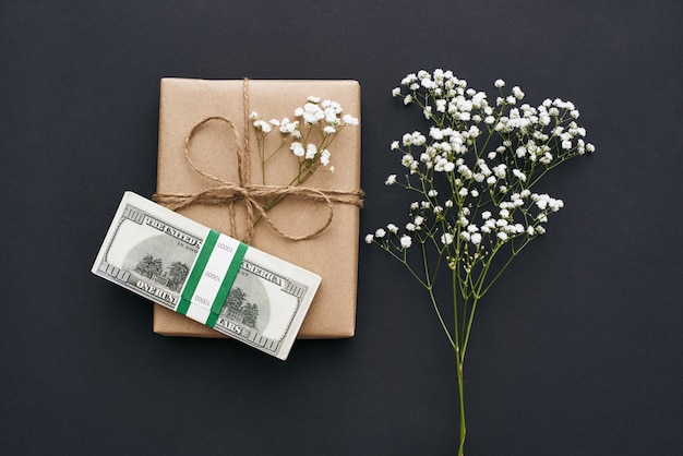 Beste cadeau voor uw dierbaren zelfgemaakte geschenkdoos in kraft bruin papier met wild