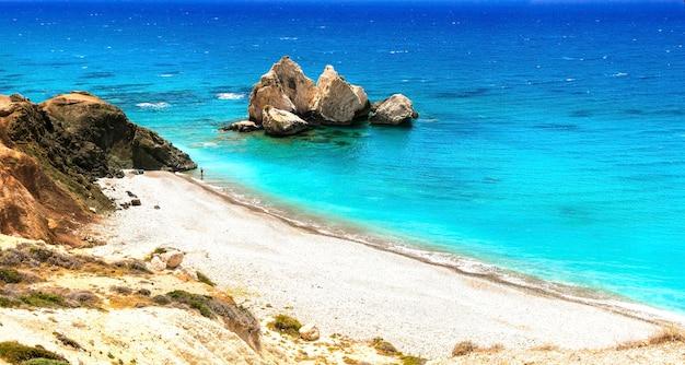 Beste stranden van cyprus - petra tou romiou, bekend als geboorteplaats van aphrodite