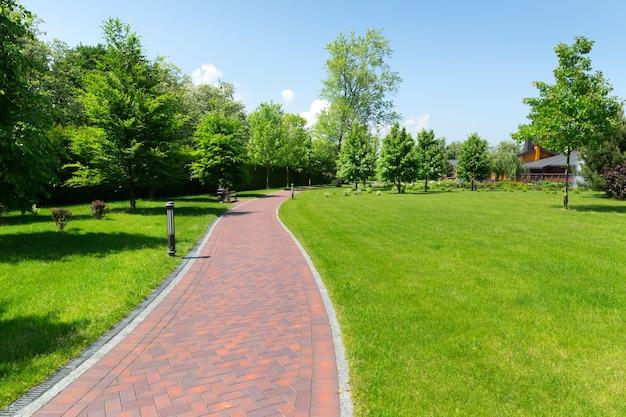 Bestrating in het park