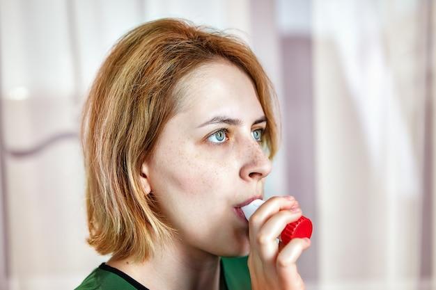 Bèta-agonisttherapie, gebruik van een droog-poederinhalator met formoterol en budesonide bij verergering van bronchiale astma.