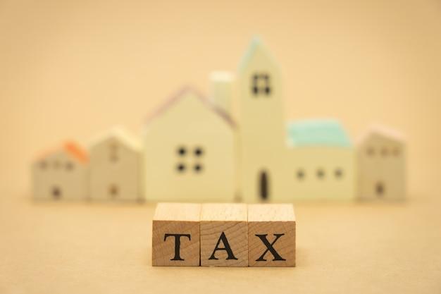 Betaal het jaarinkomen (tax) voor het ja
