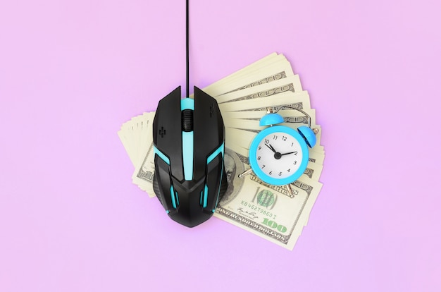 Betaal per klik en autoclicker-concept. inkomsten op internet
