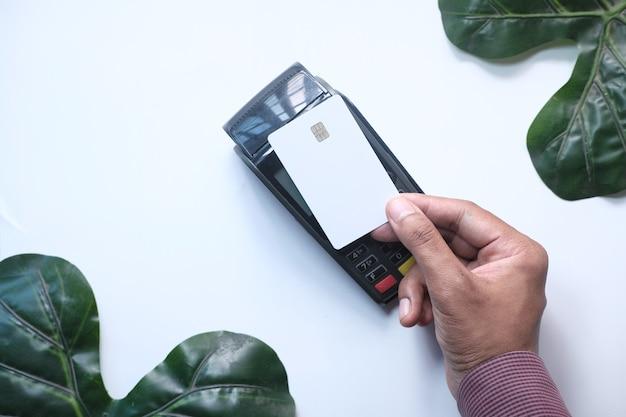Betaalterminal opladen vanaf een kaart, contactloos betalen.