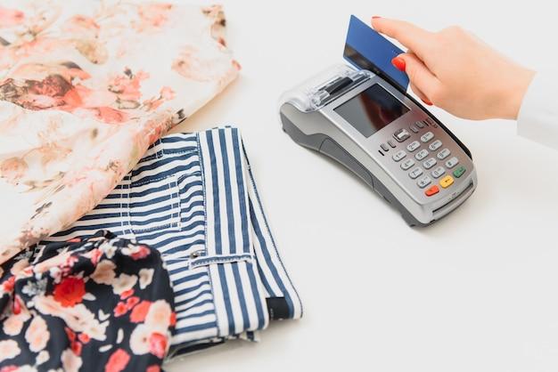 Betalen via smartphone met behulp van nfc-technologie