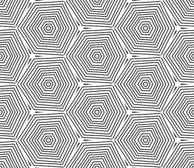 Betegeld aquarel patroon. zwarte symmetrische caleidoscoopachtergrond. handgeschilderde betegelde aquarel naadloos. textiel klaar levendige print, badmode stof, behang, inwikkeling.