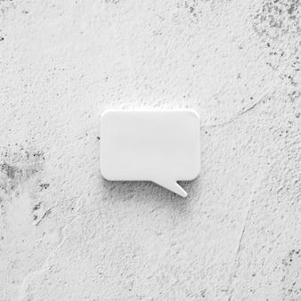 Betonnen oppervlak met praatjebel