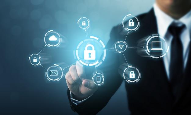 Beveilig netwerkbeveiligingscomputer en beveilig uw gegevensconcept. digitale misdaad door een anonieme hacker