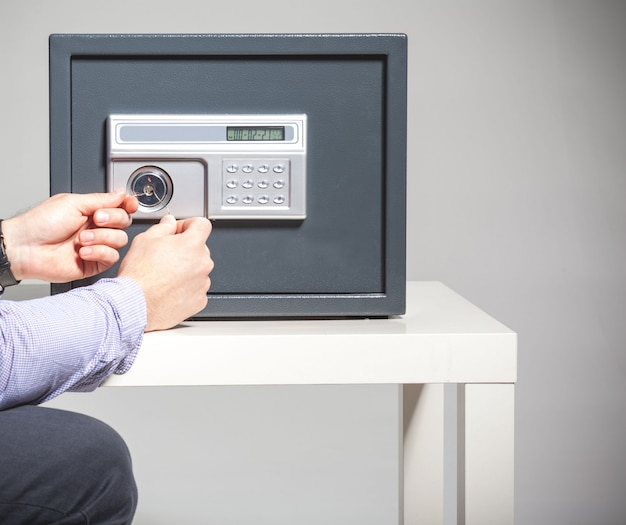 Beveiligingsinbreuk - concept voor veilig plukken