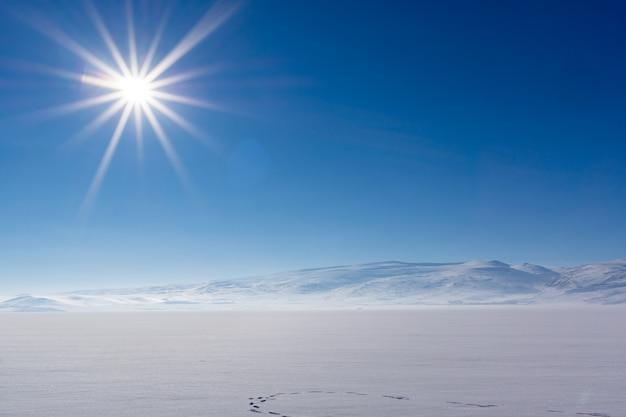 Bevroren cildir-meer in de provincie kars naar turkije