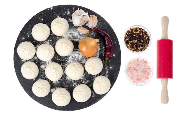 Bevroren dumplings met vulling om te koken