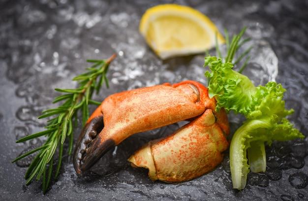 Bevroren gekookte krabklauw