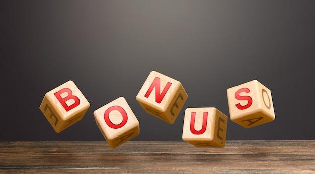 Beweeg blokken met letters om woord bonus te maken.