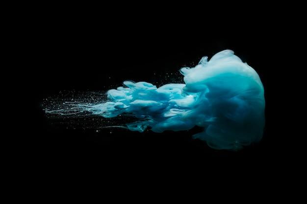 Beweging van inktdruppels in water