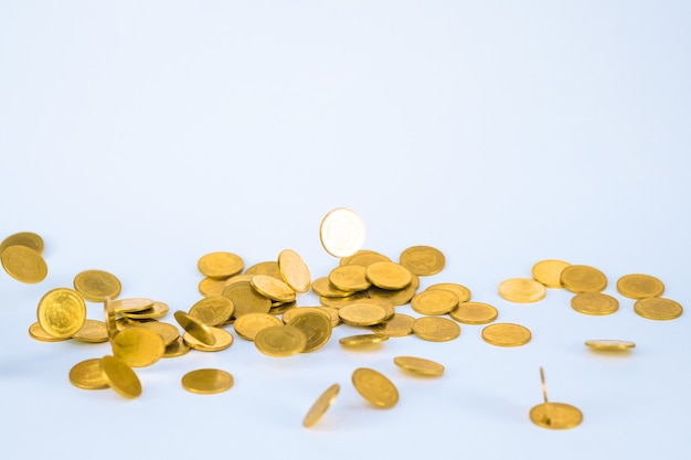 Beweging van vallende gouden munten, vliegende munt