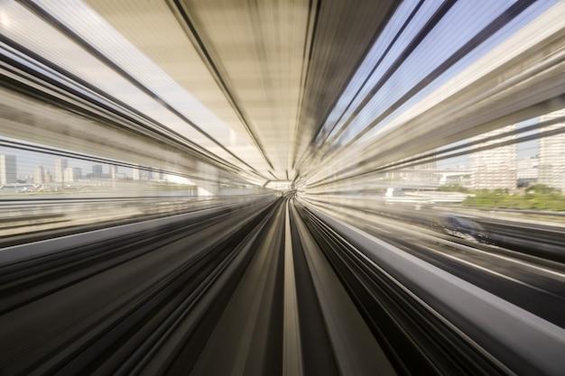 Bewegingsblauw van een japanse monorail