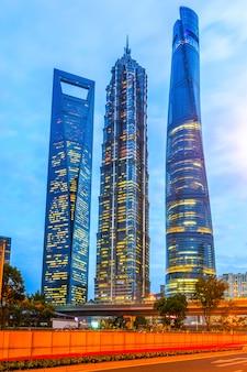Bezienswaardigheden bekijken uitzicht op het centrum van shanghai